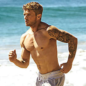 Ryan Phillippe is Shirtless