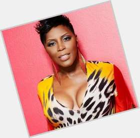 "<a href=""/hot-women/sommore/is-she-married-man-and-nia-long-sisters"">Sommore</a> Average body,  dark brown hair & hairstyles"