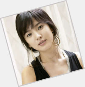 Hye Kyo Song black hair & hairstyles Slim body,
