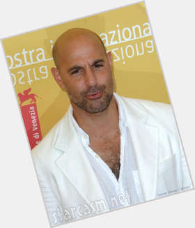 "<a href=""/hot-men/stanley-tucci/is-he-straight-related-michael-hunger-games-voice"">Stanley Tucci</a> Average body,  bald hair & hairstyles"