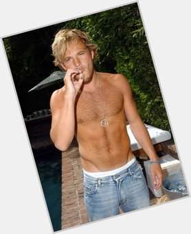 "<a href=""/hot-men/stephen-dorff/is-he-married-single-circumcised-immortals-jerk-good"">Stephen Dorff</a> Average body,  light brown hair & hairstyles"