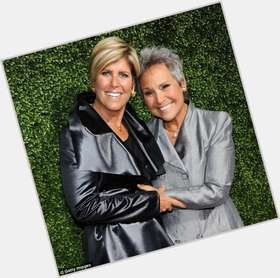 "<a href=""/hot-women/suze-orman/is-she-gay-married-cfp-democrat-rich-licensed"">Suze Orman</a> Average body,  blonde hair & hairstyles"