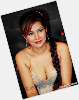 "<a href=""/hot-women/tanisha/is-she-married-mukherjee-out-bigg-boss-7"">Tanisha</a>  light brown hair & hairstyles"