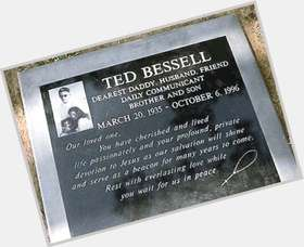 "<a href=""/hot-men/ted-bessell/is-he-still-alive-death-where-now-actor"">Ted Bessell</a> Average body,  light brown hair & hairstyles"