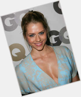 "<a href=""/hot-women/teresa-palmer/is-she-related-kristen-stewart-married-pregnant-scarlett"">Teresa Palmer</a> Slim body,  blonde hair & hairstyles"