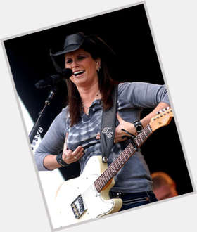 "<a href=""/hot-women/terri-clark/is-she-married-dating-related-brandy-anita-cochran"">Terri Clark</a> Average body,  light brown hair & hairstyles"