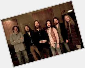 "<a href=""/hot-men/the-black-crowes/is-he-what-she-talks-angels-about-lead"">The Black Crowes</a>"