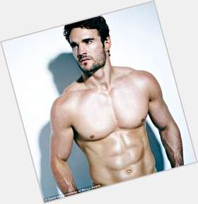"<a href=""/hot-men/thom-evans/is-he-scottish-dating-what-doing-now-girlfriend"">Thom Evans</a> Athletic body,  light brown hair & hairstyles"