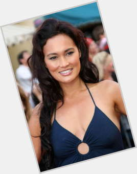 "<a href=""/hot-women/tia-carrere/is-she-married-filipino-related-barbara-carrera-days"">Tia Carrere</a> Average body,  black hair & hairstyles"