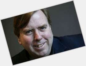 "<a href=""/hot-men/timothy-spall/is-he-missing-finger-married-ill-brummie-spalls"">Timothy Spall</a> Average body,  light brown hair & hairstyles"