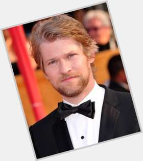 "<a href=""/hot-men/todd-lowe/is-he-married-related-rob-justified-bunheads-musician"">Todd Lowe</a> Average body,  light brown hair & hairstyles"