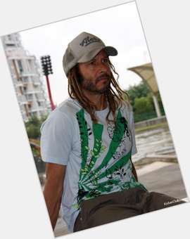 "<a href=""/hot-men/tony-alva/is-he-mexican-still-alive-married-rich-related"">Tony Alva</a> Athletic body,  light brown hair & hairstyles"