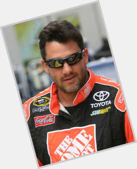 "<a href=""/hot-men/tony-stewart/is-he-still-racing-married-hurt-injured-retiring"">Tony Stewart</a> Large body,  dark brown hair & hairstyles"