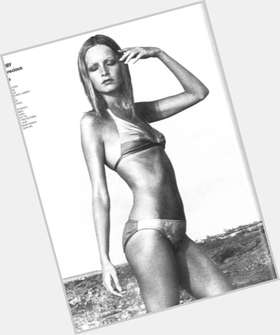 "<a href=""/hot-women/twiggy/is-she-alive-ramirez-bi-still-skinny-married"">Twiggy</a> Slim body,  light brown hair & hairstyles"