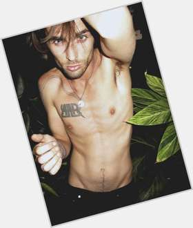 "<a href=""/hot-men/tyson-ritter/is-he-related-john-married-parenthood-ritters-son"">Tyson Ritter</a> Slim body,  dark brown hair & hairstyles"