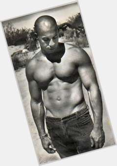 "<a href=""/hot-men/vin-diesel/is-he-black-married-bi-mixed-dominican-twin"">Vin Diesel</a> Bodybuilder body,  bald hair & hairstyles"