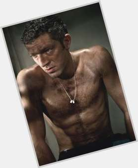 "<a href=""/hot-men/vincent-cassel/is-he-married-hot-dancer-circumcised-good-looking"">Vincent Cassel</a> Slim body,  dark brown hair & hairstyles"