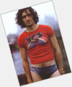 "<a href=""/hot-men/vincent-gallo/is-he-really-republican-married-racist-insane-crazy"">Vincent Gallo</a> Athletic body,  dark brown hair & hairstyles"