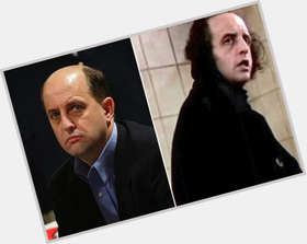 "<a href=""/hot-men/vincent-schiavelli/is-he-why-so-ugly"">Vincent Schiavelli</a> Slim body,  salt and pepper hair & hairstyles"