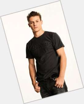 "<a href=""/hot-men/will-estes/is-he-married-rob-brother-single-sick-catholic"">Will Estes</a> Average body,  dark brown hair & hairstyles"