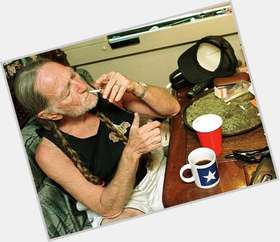 "<a href=""/hot-men/willie-nelson/is-he-married-alive-still-now-christian-native"">Willie Nelson</a> Average body,  grey hair & hairstyles"