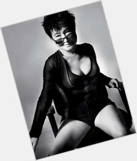 "<a href=""/hot-women/yoko-ono/is-she-still-alive-christian-insane-married-retarded"">Yoko Ono</a> Slim body,  black hair & hairstyles"