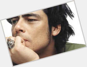 "<a href=""/hot-men/benicio-del-toro/is-he-related-guillermo-dazed-and-confused-thor"">Benicio Del Toro</a> Average body,  black hair & hairstyles"
