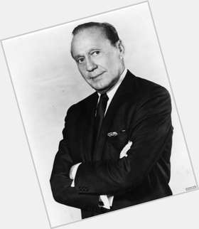 "<a href=""/hot-men/jack-benny/is-he-still-alive-bennys-daughter-casablanca-died"">Jack Benny</a> Average body,  dark brown hair & hairstyles"