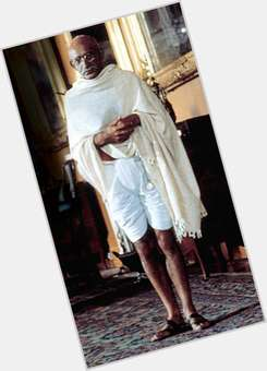 "<a href=""/hot-men/mahatma-gandhi/is-he-atheist-saint-hindu-related-indira-christian"">Mahatma Gandhi</a> Slim body,  bald hair & hairstyles"