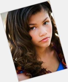 "<a href=""/hot-women/zendaya/is-she-dating-black-mean-mixed-still-dancing"">Zendaya</a> Athletic body,  dark brown hair & hairstyles"