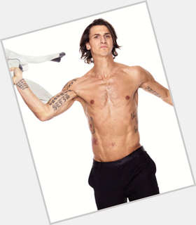 "<a href=""/hot-men/zlatan-ibrahimovic/is-he-black-belt-bosnia-best-striker-arrogant"">Zlatan Ibrahimovic</a> Athletic body,  dark brown hair & hairstyles"