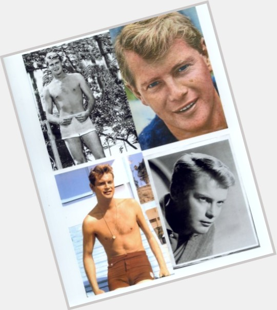 young troy donahue 8.jpg