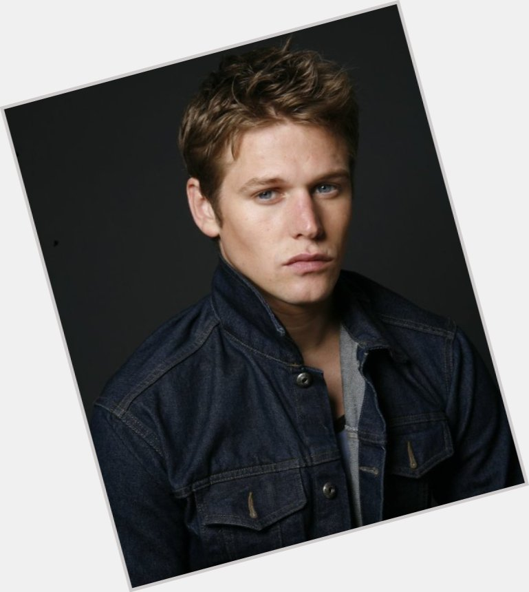 zach roerig body 3.jpg