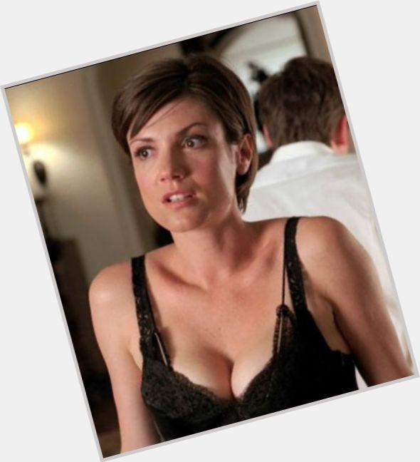 Zoe Mclellan Hot Pics